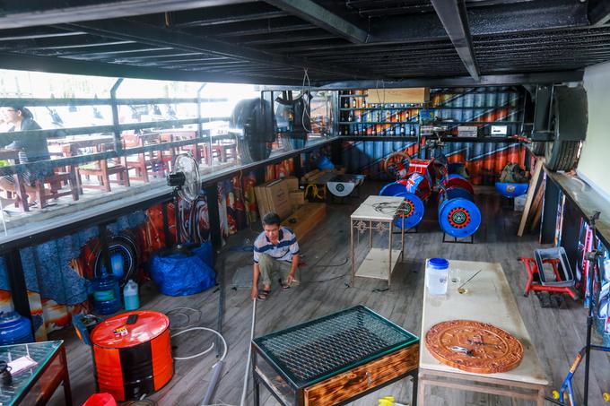 In HCM City, Container truck becomes café, travel news, Vietnam guide, Vietnam airlines, Vietnam tour, tour Vietnam, Hanoi, ho chi minh city, Saigon, travelling to Vietnam, Vietnam travelling, Vietnam travel, vn news