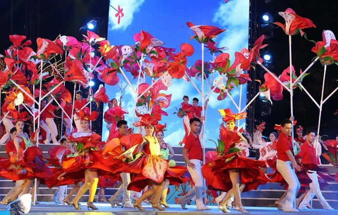 Red Flamboyant Flower Festival kicks off in Hai Phong, entertainment events, entertainment news, entertainment activities, what's on, Vietnam culture, Vietnam tradition, vn news, Vietnam beauty, news Vietnam, Vietnam news, Vietnam net news, vietnamnet new