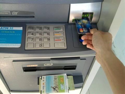 Money withdrawal fees at ATMs to quadruple, vietnam economy, business news, vn news, vietnamnet bridge, english news, Vietnam news, news Vietnam, vietnamnet news, vn news, Vietnam net news, Vietnam latest news, Vietnam breaking news