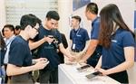 Mid-tier smartphone market heats up