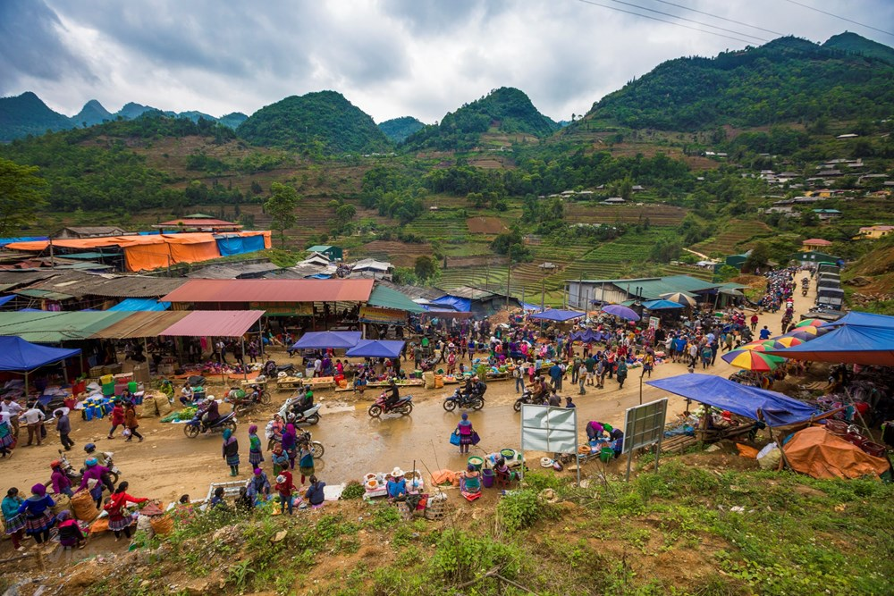 Can Cau Market - untouched ethnic identity in northwest of Vietnam, travel news, Vietnam guide, Vietnam airlines, Vietnam tour, tour Vietnam, Hanoi, ho chi minh city, Saigon, travelling to Vietnam, Vietnam travelling, Vietnam travel, vn news