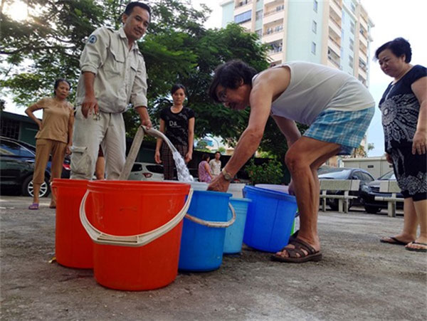 Hanoi, high-rises, suffer water cuts, Vietnam economy, Vietnamnet bridge, English news about Vietnam, Vietnam news, news about Vietnam, English news, Vietnamnet news, latest news on Vietnam, Vietnam