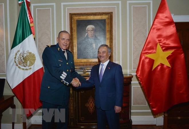 Mexican defence chief receives new Vietnamese Ambassador