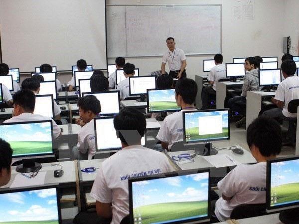 Vietnam team ranks third in Asia Informatics Olympiad 2018