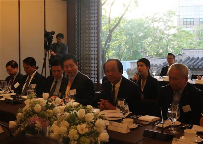 Vietnam always facilitates foreign investors: official, HCM City wishes to foster cooperation with Israel, Ministries urged to address slow public investment disbursement, Vietnam joins 10th Pan-Tonkin Gulf Economic Cooperation Forum,