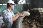 Waste treatment delayed in Viet Nam