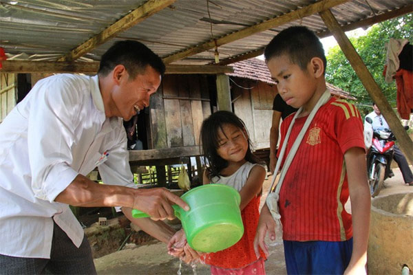 Quang Ngai, teachers help poor kids, Vietnam economy, Vietnamnet bridge, English news about Vietnam, Vietnam news, news about Vietnam, English news, Vietnamnet news, latest news on Vietnam, Vietnam
