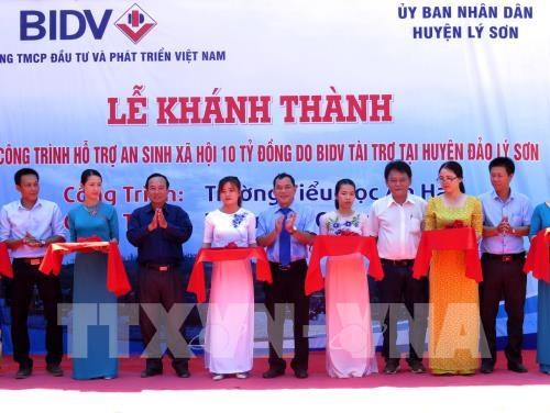 Korean painters launch 30 more murals in Quang Nam village, Quang Ninh promotes sea, island activities, Vietnam-German pilot project on nurse training successful, Forum spotlights national anti-zoonosis One Health strategy