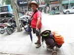 Man walking around world enjoys Vietnam
