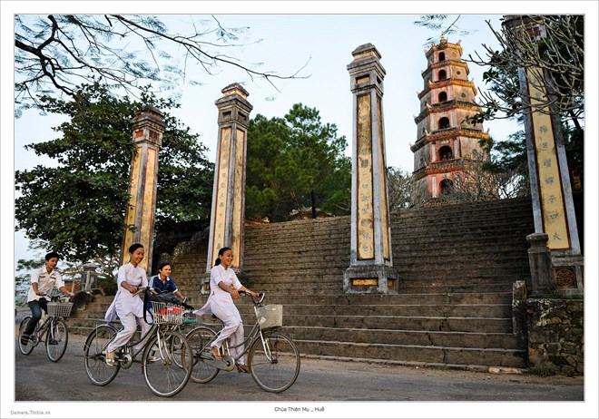 Photo book of Vietnamese pagodas rolled out in HCM City, entertainment events, entertainment news, entertainment activities, what's on, Vietnam culture, Vietnam tradition, vn news, Vietnam beauty, news Vietnam, Vietnam news, Vietnam net news, vietnamnet n