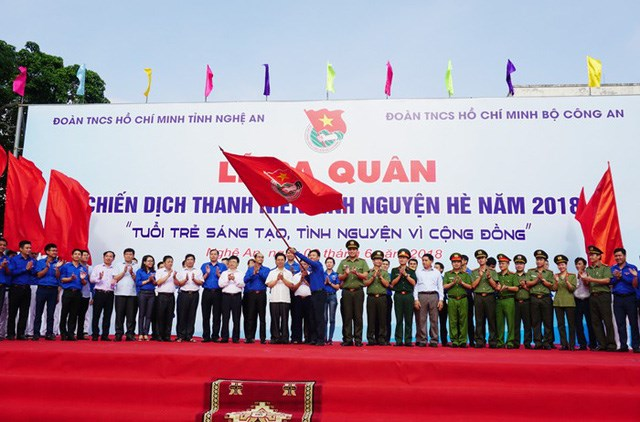 Hanoi hailed for environmental protection efforts, Bac Ha tourism week underway in Lao Cai, Dak Nong defuses three 227kg-bombs, Da Nang emerges as popular destinations for RoK tourists