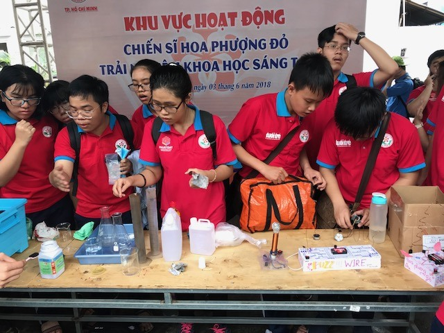 Blood clam farmers face losing their livelihoods, Severe penalties needed to check speeding on HCM City roads, MOLISA and Bloomberg join hands to prevent child drowning,