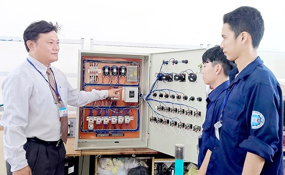 Schools to provide vocational training consultation as per gov't project, Schools to provide vocational training consultation as per gov't project