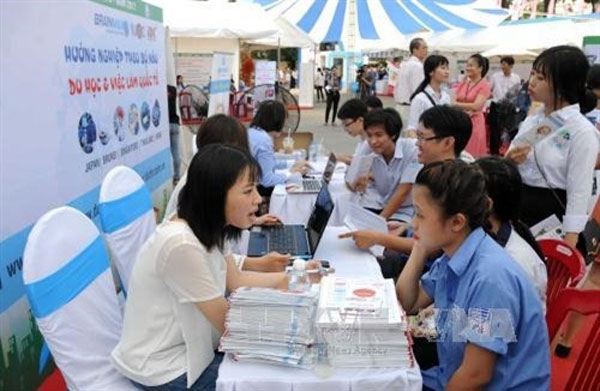Secondary and high school students, vocational schools, Vietnam economy, Vietnamnet bridge, English news about Vietnam, Vietnam news, news about Vietnam, English news, Vietnamnet news, latest news on Vietnam, Vietnam