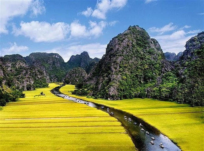World Heritage Site in Ninh Binh hosts Tourism Week, travel news, Vietnam guide, Vietnam airlines, Vietnam tour, tour Vietnam, Hanoi, ho chi minh city, Saigon, travelling to Vietnam, Vietnam travelling, Vietnam travel, vn news