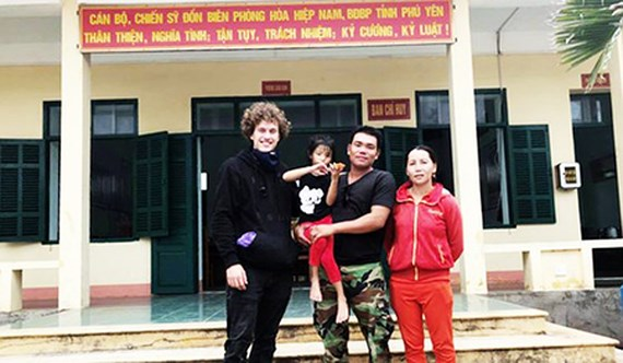 Kind German tourist saves lost kid in Ca mountainous pass, social news, vietnamnet bridge, english news, Vietnam news, news Vietnam, vietnamnet news, Vietnam net news, Vietnam latest news, vn news, Vietnam breaking news
