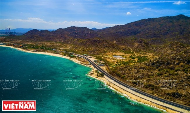One of most beautiful coastal roads in Vietnam, travel news, Vietnam guide, Vietnam airlines, Vietnam tour, tour Vietnam, Hanoi, ho chi minh city, Saigon, travelling to Vietnam, Vietnam travelling, Vietnam travel, vn news