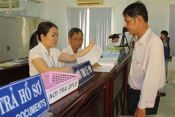 Administrative services, transfer, private sector, Vietnam economy, Vietnamnet bridge, English news about Vietnam, Vietnam news, news about Vietnam, English news, Vietnamnet news, latest news on Vietnam, Vietnam