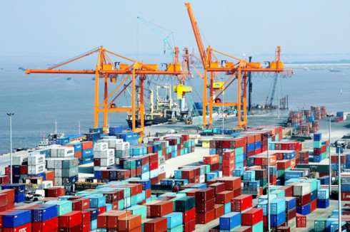 Vietnam sees trade surplus of US$2.67bn in five months, vietnam economy, business news, vn news, vietnamnet bridge, english news, Vietnam news, news Vietnam, vietnamnet news, vn news, Vietnam net news, Vietnam latest news, Vietnam breaking news