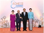 Vietnamese PM meets Lao, Thai counterpart on sidelines of ACMECS 8