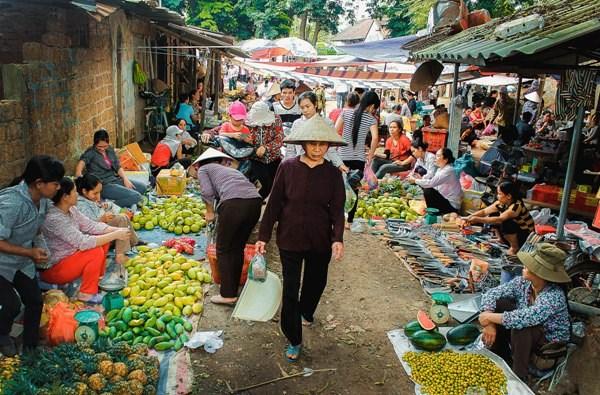 Rural market, a community tourist attraction in Thua Thien Hue, travel news, Vietnam guide, Vietnam airlines, Vietnam tour, tour Vietnam, Hanoi, ho chi minh city, Saigon, travelling to Vietnam, Vietnam travelling, Vietnam travel, vn news