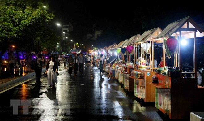 Hanoi: Trinh Cong Son walking street to offer free wifi services, travel news, Vietnam guide, Vietnam airlines, Vietnam tour, tour Vietnam, Hanoi, ho chi minh city, Saigon, travelling to Vietnam, Vietnam travelling, Vietnam travel, vn news