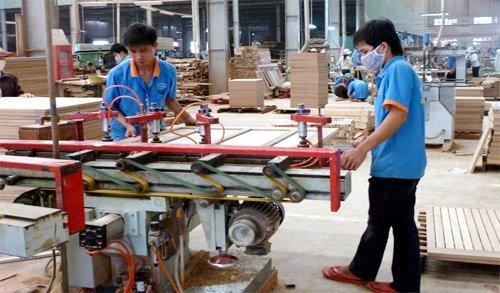 Wooden Furniture Manufacturers Conquer Luxury Segment