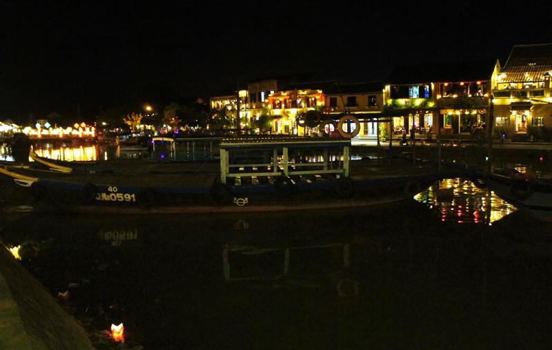 Hoi An ancient town twinkles at night,travel news, Vietnam guide, Vietnam airlines, Vietnam tour, tour Vietnam, Hanoi, ho chi minh city, Saigon, travelling to Vietnam, Vietnam travelling, Vietnam travel, vn news