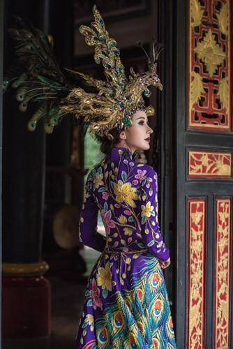 Chi Nguyen's stunning national costume at Miss Asia World 2018, entertainment events, entertainment news, entertainment activities, what's on, Vietnam culture, Vietnam tradition, vn news, Vietnam beauty, news Vietnam, Vietnam news, Vietnam net news
