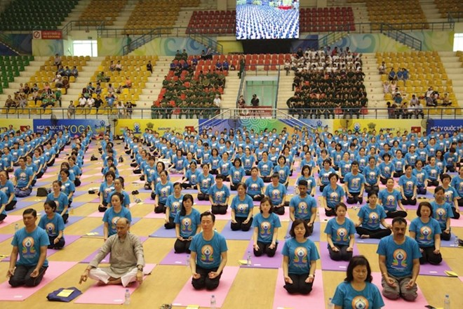 Fourth International Day of Yoga comes to Gia Lai, Vietnamese students graduate from agricultural programme in Israel