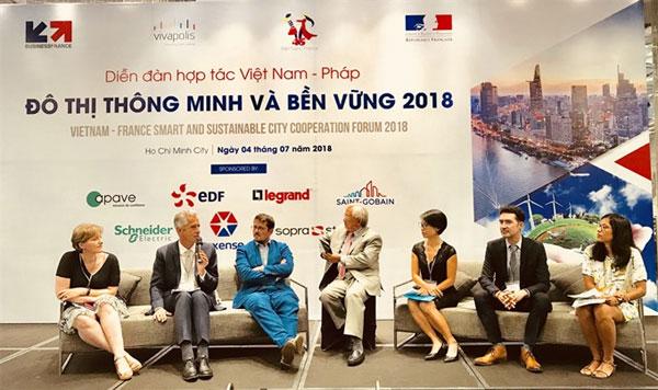 Vietnam, France, cooperate in building smart cities, Vietnam economy, Vietnamnet bridge, English news about Vietnam, Vietnam news, news about Vietnam, English news, Vietnamnet news, latest news on Vietnam, Vietnam