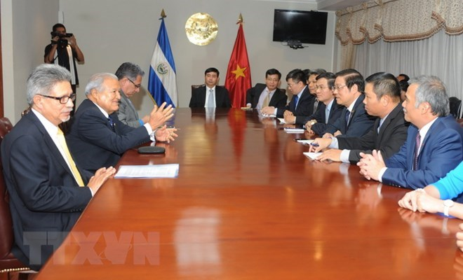 Cuba looks to learn from Vietnam's constitutional amendment, Ho Chi Minh City leader receives Chinese Party official, CPV official receives Cuban guest, Vietnam, China hold theoretical workshop on reform experience