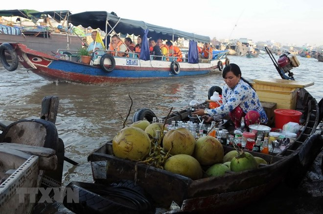 Cai Rang floating market culture festival opens in Can Tho, travel news, Vietnam guide, Vietnam airlines, Vietnam tour, tour Vietnam, Hanoi, ho chi minh city, Saigon, travelling to Vietnam, Vietnam travelling, Vietnam travel, vn news