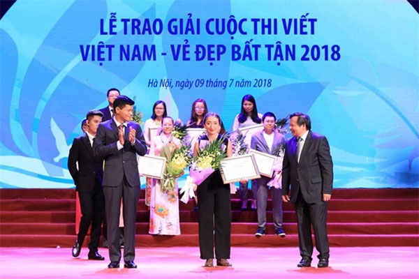 Travel enterprises, annual tourism awards, Vietnam economy, Vietnamnet bridge, English news about Vietnam, Vietnam news, news about Vietnam, English news, Vietnamnet news, latest news on Vietnam, Vietnam