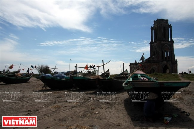 Nam Dinh church ruins - witness of climate change, travel news, Vietnam guide, Vietnam airlines, Vietnam tour, tour Vietnam, Hanoi, ho chi minh city, Saigon, travelling to Vietnam, Vietnam travelling, Vietnam travel, vn news