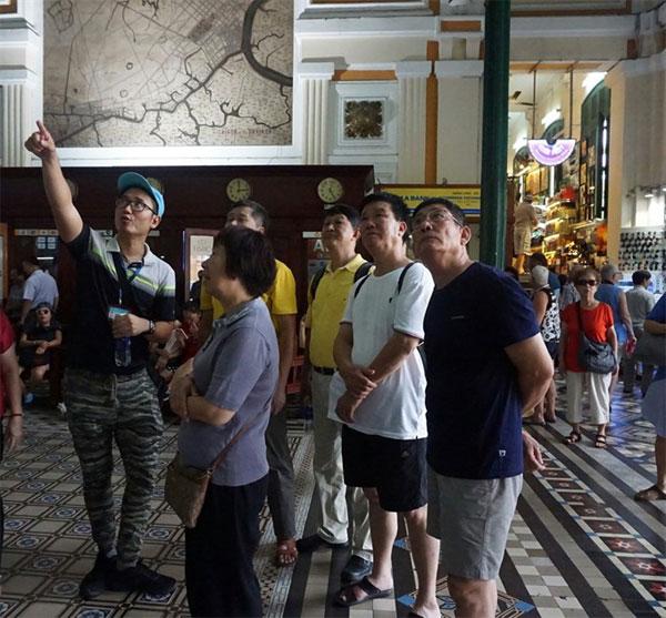 Zero-dong tours, stop Chinese zero-dong tours, illegal Chinese tour guides, Vietnam economy, Vietnamnet bridge, English news about Vietnam, Vietnam news, news about Vietnam, English news, Vietnamnet news, latest news on Vietnam, Vietnam
