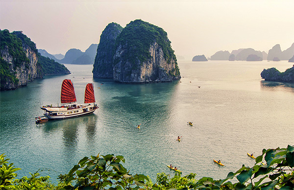 Ha Long Bay among 100 most beautiful UNESCO World Heritages, travel news, Vietnam guide, Vietnam airlines, Vietnam tour, tour Vietnam, Hanoi, ho chi minh city, Saigon, travelling to Vietnam, Vietnam travelling, Vietnam travel, vn news
