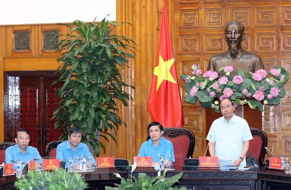 Vietnam's master plan on ASEAN Socio-Cultural Community 2025 updated, HCM City: youth camp promotes pride in national seas, islands, VFF President extends sympathy over Laos' dam collapse