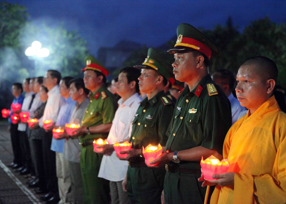 Nationwide tribute paid to fallen soldiers on martyrs' day