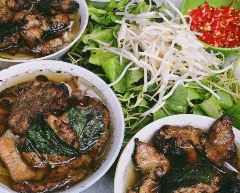 Street food in Vietnam: Your Top 10 dishes, travel news, Vietnam guide, Vietnam airlines, Vietnam tour, tour Vietnam, Hanoi, ho chi minh city, Saigon, travelling to Vietnam, Vietnam travelling, Vietnam travel, vn news