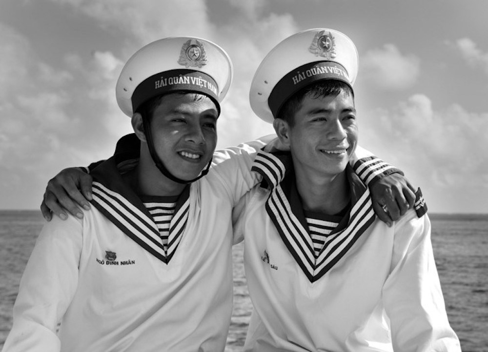 Photo exhibition features soldiers' life in Truong Sa archipelago, entertainment events, entertainment news, entertainment activities, what's on, Vietnam culture, Vietnam tradition, vn news, Vietnam beauty, news Vietnam, Vietnam news, Vietnam net news, vi
