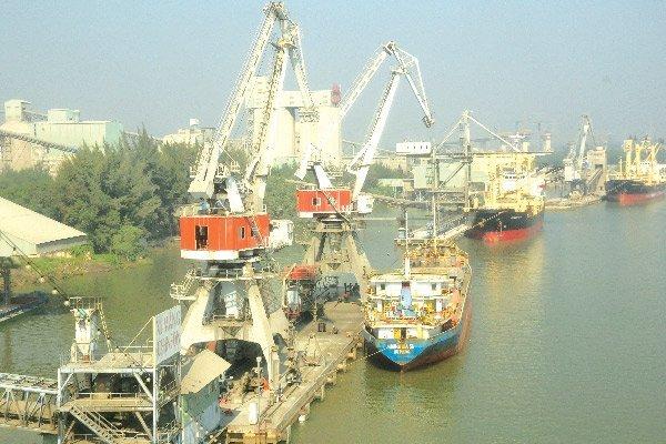vietnam economy, business news, vn news, vietnamnet bridge, english news, Vietnam news, news Vietnam, vietnamnet news, vn news, Vietnam net news, Vietnam latest news, Vietnam breaking news, green ports, shipping operations,