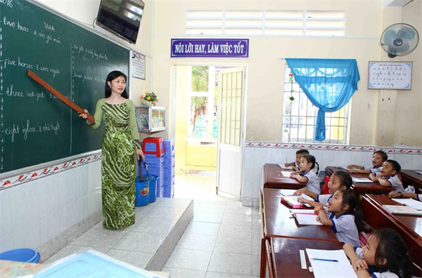 Thanh Oai, teachers' contracts, laid off, Vietnam economy, Vietnamnet bridge, English news about Vietnam, Vietnam news, news about Vietnam, English news, Vietnamnet news, latest news on Vietnam, Vietnam