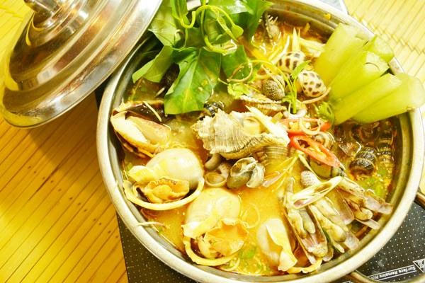 Oc Vi Sai Gon Restaurant, Sai Gon-style snail dishes, Vietnam economy, Vietnamnet bridge, English news about Vietnam, Vietnam news, news about Vietnam, English news, Vietnamnet news, latest news on Vietnam, Vietnam