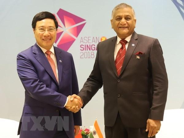 Vietnamese FM meets diplomats of India, Brunei, Philippines