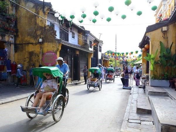 """Vietnam works hard to have """"yellow card"""" warning removed, VIB buys back all bad debt from VAMC, HCM aims to promote retail sector as key economic contributor, Legal corridor needed for digital industry"""