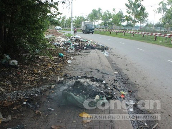 HCM City, untreated industrial waste, pile up on street, Vietnam economy, Vietnamnet bridge, English news about Vietnam, Vietnam news, news about Vietnam, English news, Vietnamnet news, latest news on Vietnam, Vietnam
