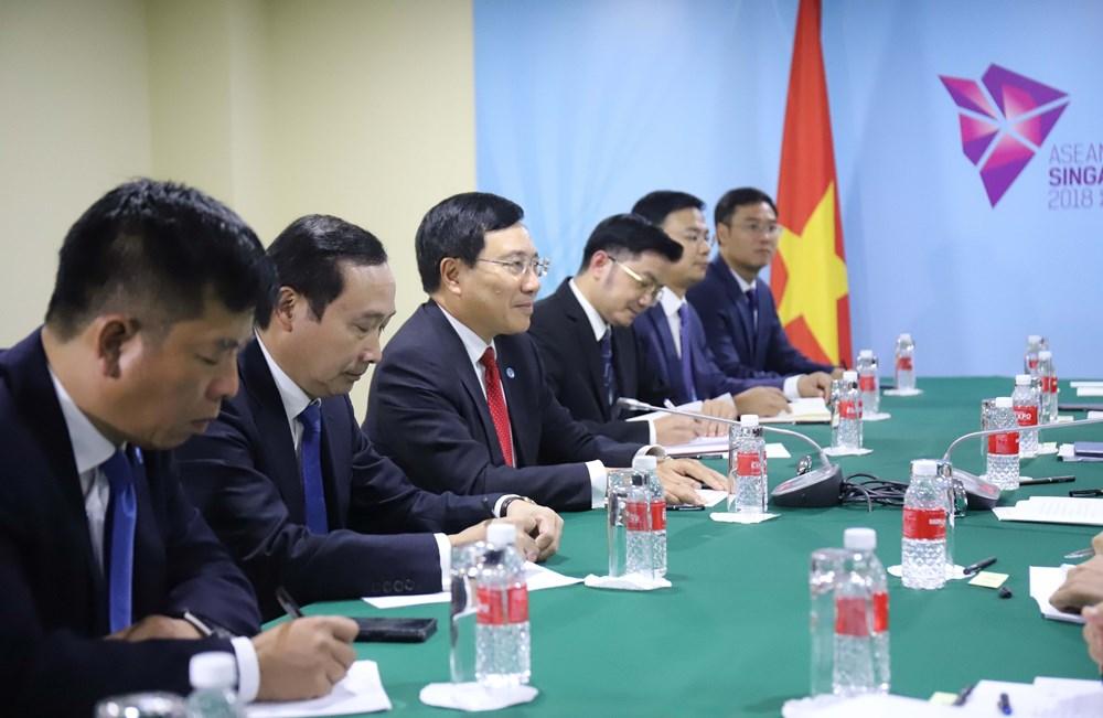 Vietnamese FM meets counterparts of ASEAN, partners in Singapore, Government news, Vietnam breaking news, politic news, vietnamnet bridge, english news, Vietnam news, news Vietnam, vietnamnet news, Vietnam net news, Vietnam latest news, vn news