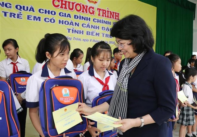 Vice President presents gifts to disadvantaged families, children, Preparations for World Economic Forum on ASEAN quickened, National conference seeks ways to protect children from violence, abuse