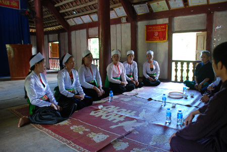 Dum singing of the Muong, entertainment events, entertainment news, entertainment activities, what's on, Vietnam culture, Vietnam tradition, vn news, Vietnam beauty, news Vietnam, Vietnam news, Vietnam net news, vietnamnet news, vietnamnet bridge